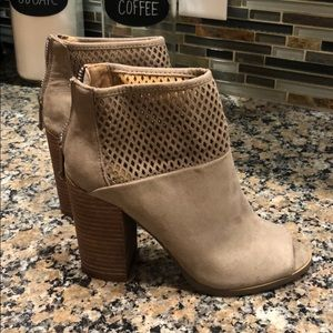 Report 6 suede sandal booties